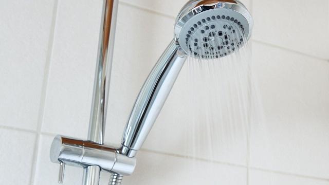 冷水シャワー